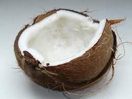 Разнообразни причини за прием на кокосово мляко