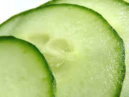 Консумацията на краставици помага за красива кожа