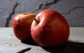 Приема на ябълки, свалят високия холестеро