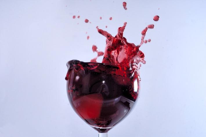 Можете да си помогнете и да свалите килограми по-лесно със пиенето на чаша червено вино на ден.