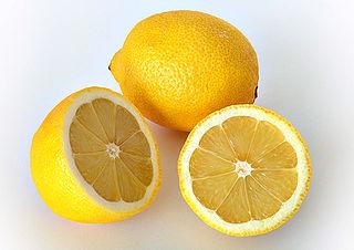 Този цитрусов плод може да се изпозлва за избелване на кожата или зъбите.