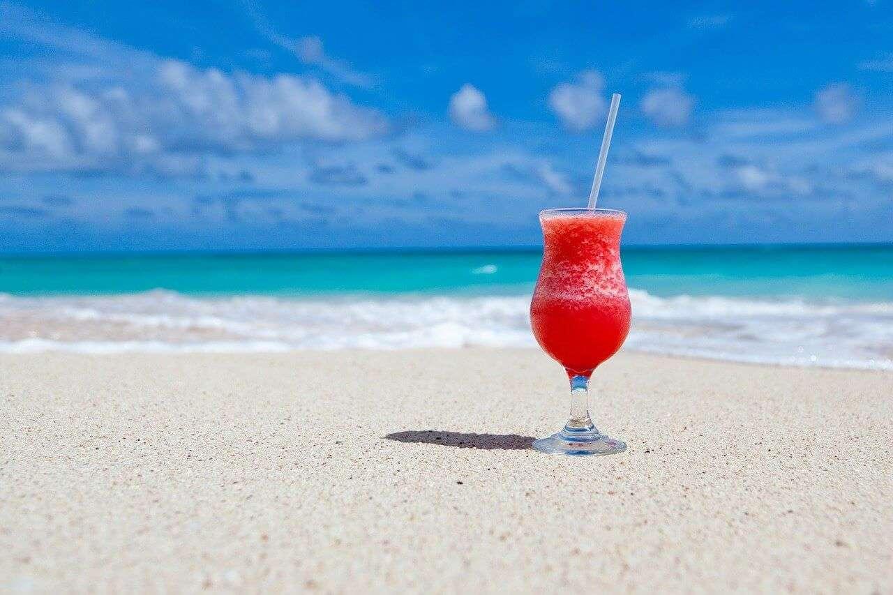 5 причини да употребяваме алкохол през лятото безопасно