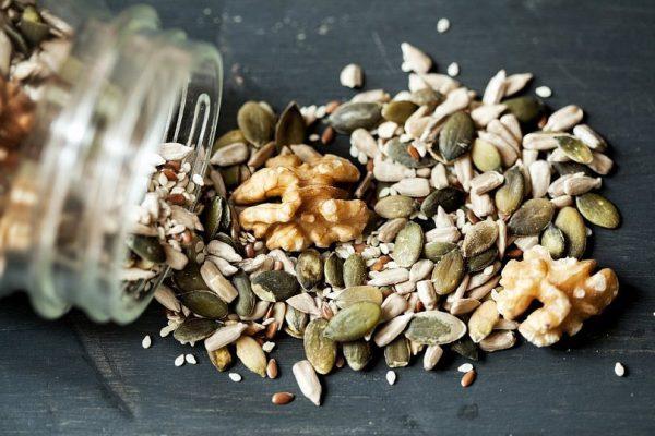 Лечение - полезни семена, диета, въздействие