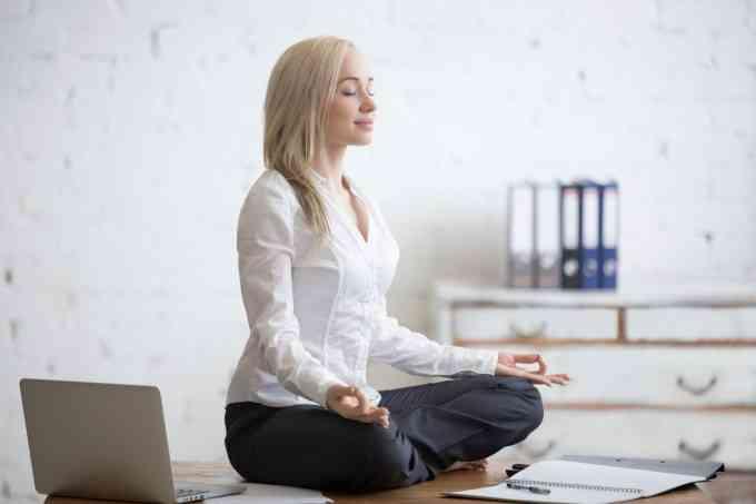 Раздвижващите упражнения за офиса